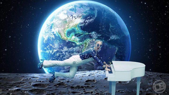 Live music - Elton Unleashed